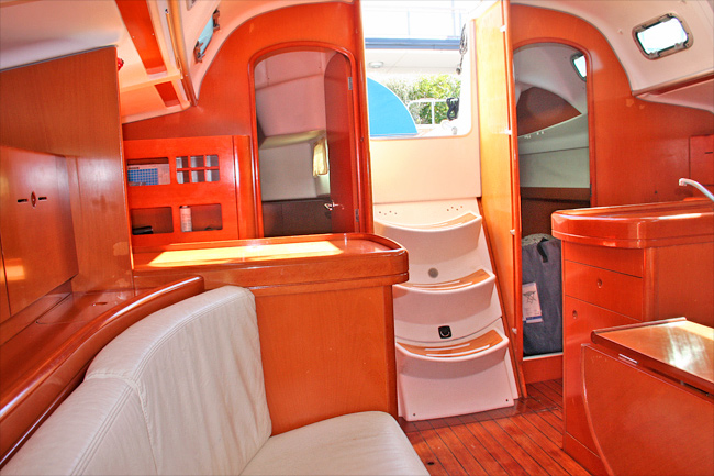 Palm yachting beneteau first 40 7 for Cabine di giglio selvatico