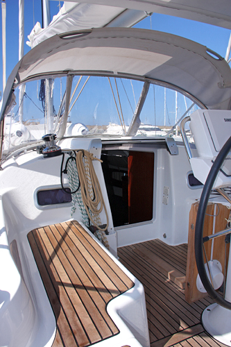 Palm yachting beneteau oceanis 34 for Cabine di giglio selvatico