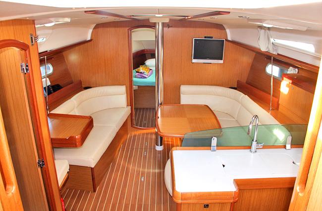 Palm yachting jeanneau sun odyssey 42i for Cabine di giglio selvatico