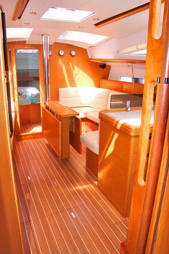 Palm yachting jeanneau sun odyssey 42ds for Cabine di giglio selvatico